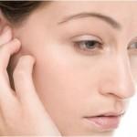 Mọc mụn ở vành tai có nguy hiểm không?